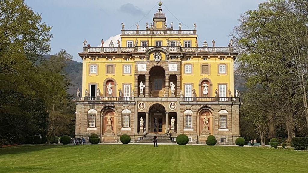 Una visita a villa torrigiani a lucca alla scoperta delle for Ville antiche interni