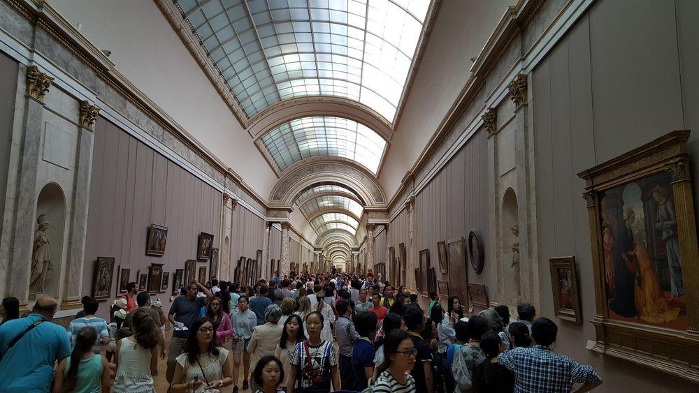 il museo del louvre da parigi ad abu dhabi