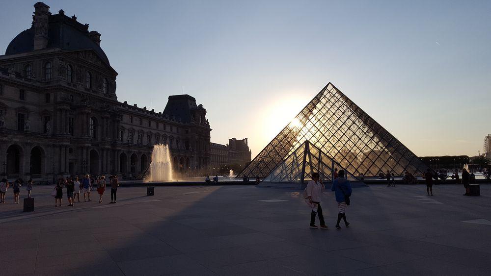 il museo del louvre da parigi a abu dhabi